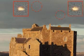 """Škotijos pilis """"Blackness Castle"""" tapo """"karštu tašku"""" NSO stebėtojams."""