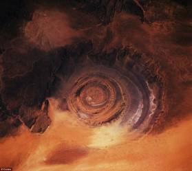 Sacharos akis arba Rišato struktūra