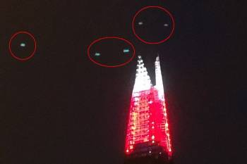 """Londono centre virš dangoraižio """"Šukė"""" pastebėta NSO flotilė"""