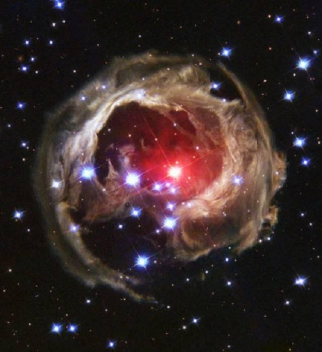 Sprogusios žvaigždės šviesos aidas