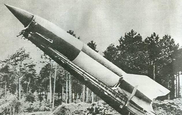 "Raketa ""Fau-2"" sugebanti nešti atomines galvutes"