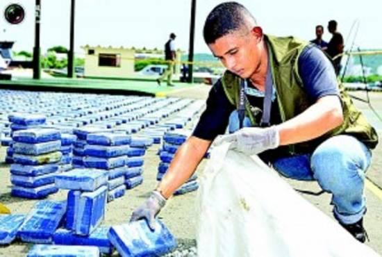 Kareiviai aptiko Kolumbijos mafijos slėptuvę su daugybę milijonų